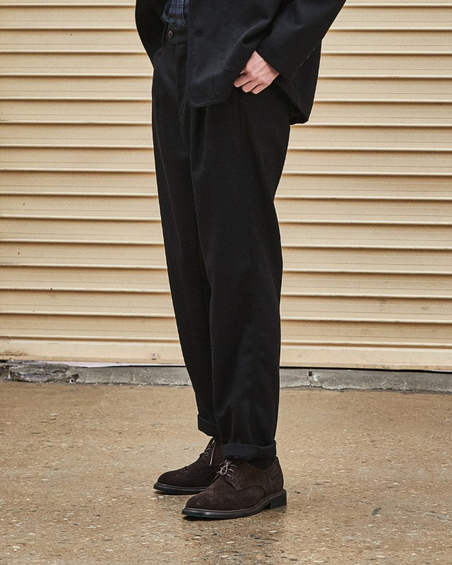 WOOL TAPERED PANTS BLACK